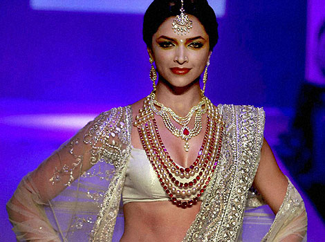 See the latest Jewellery worn by famous people: Deepika ...