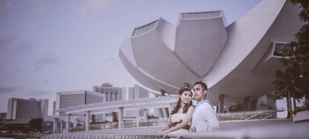 posing artistic singapore