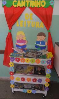 crianças lendo em eva