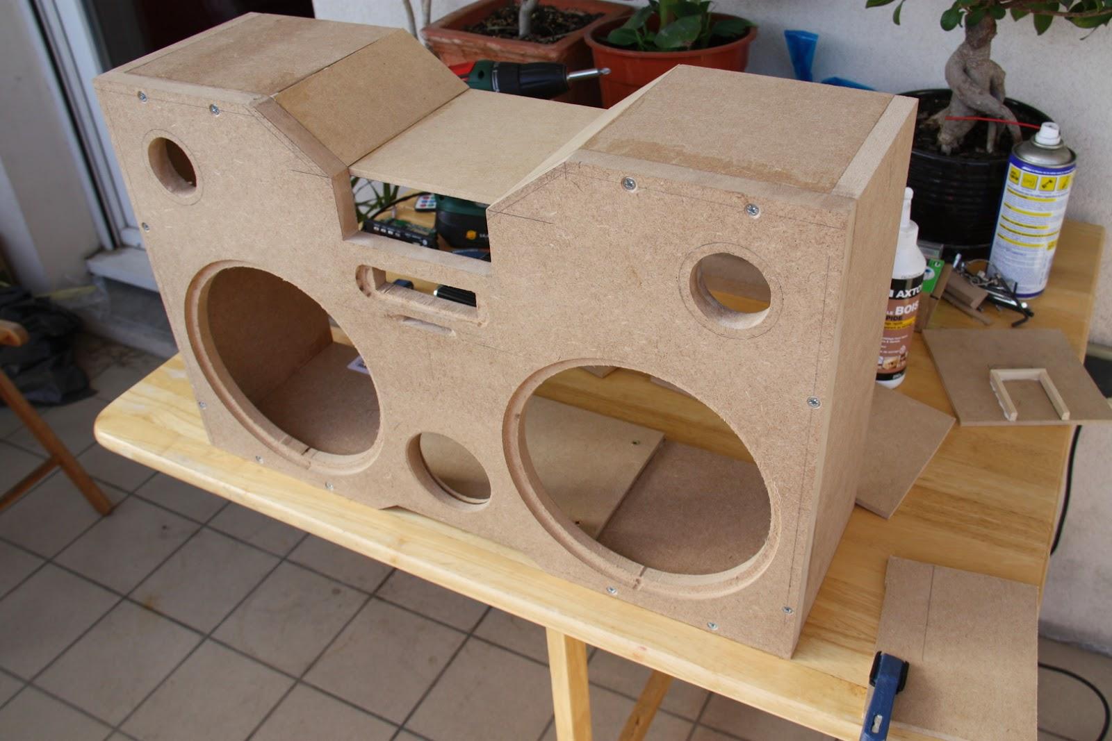 Diy fabrication d 39 un ghetto blaster micougnou for Fabriquer une treille en bois
