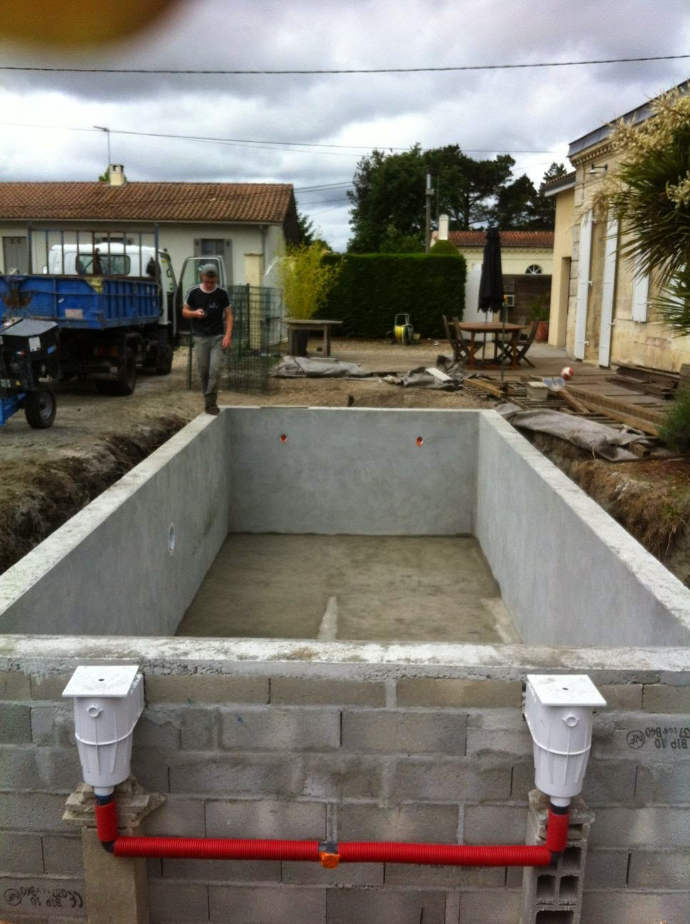 Projet tapes de construction d 39 une piscine en gironde for Construction piscine 33