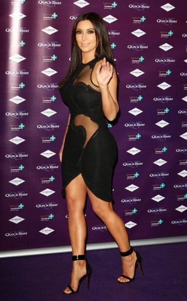 Gaun Transparan Kim Kardashian