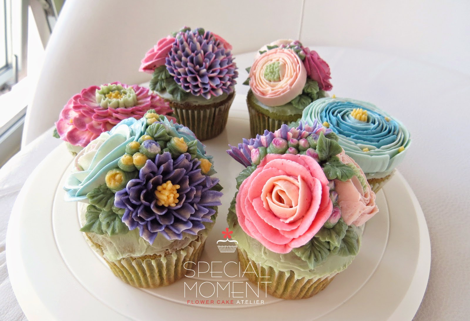 Special Moment Greentea Chocolate Buttercream Flower Cupcakes