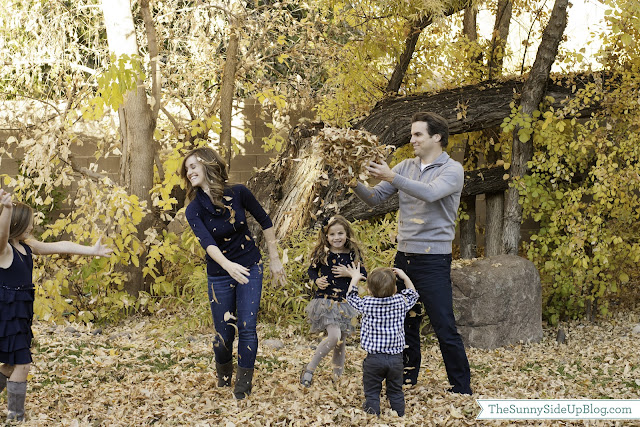 Family photo shoot ideas with dogs online