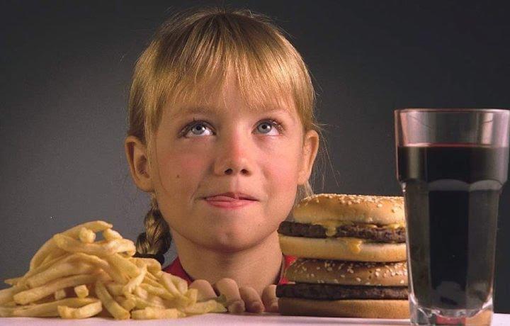 Fast Food ( O Inimigo da Alimentação Saudável)