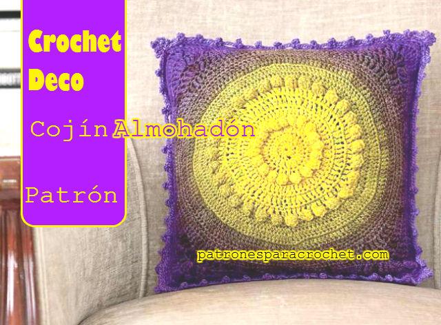 patrón crochet de almohadón con centro circular y bordes cuadrados
