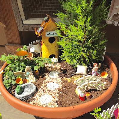 Lady linda tea time thursday 78 my fairy gardens - Backyard patio design ideas to accompany your tea time ...