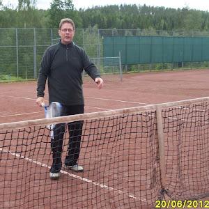 Tenniksen peruskursseja tarjotaan jatkuvana virtana, joten hyppää mukaan?
