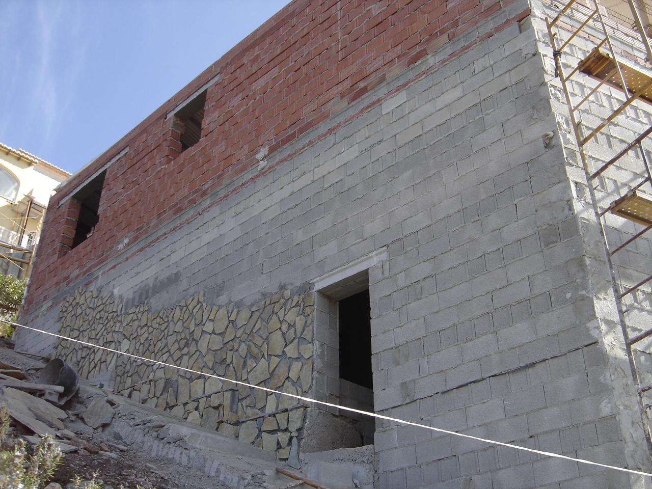 El maestro de obras xavier valderas restauraci n de - Aplacado piedra fachada ...