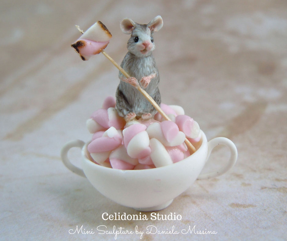 Mallow Mouse 1/12 - Polymer Clay Mini Sculpture by Daniela Messina