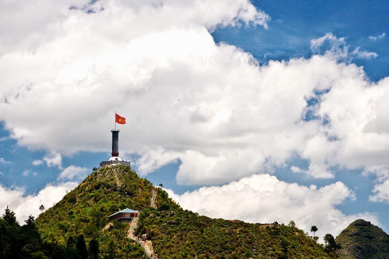 Hà Giang - Cao nguyên đá Đồng Văn - Núi đôi Quản Bạ 4 ngày 3 đêm,