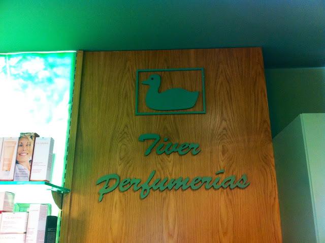 Perfumería Tiver. Foz, Lugo. Punto de venta Eva Rogado