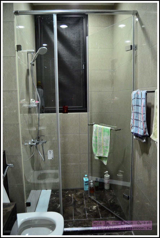 客浴石材地板與淋浴間