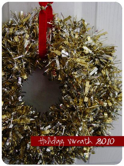 Domestic servitude easy tinsel garland wreath