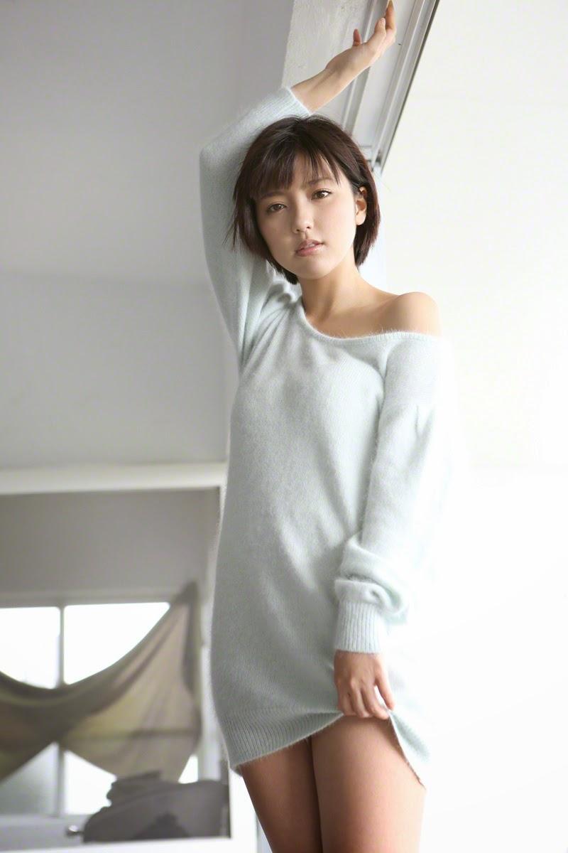 Erina Mano ngực khủng khiêu khích đấng mày râu 8