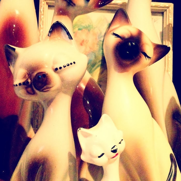 Kitsch Vintage Cats