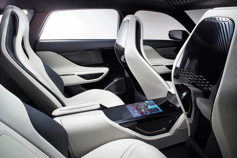 Jaguar C-X17 Sports Crossover Concept (2014) Interior