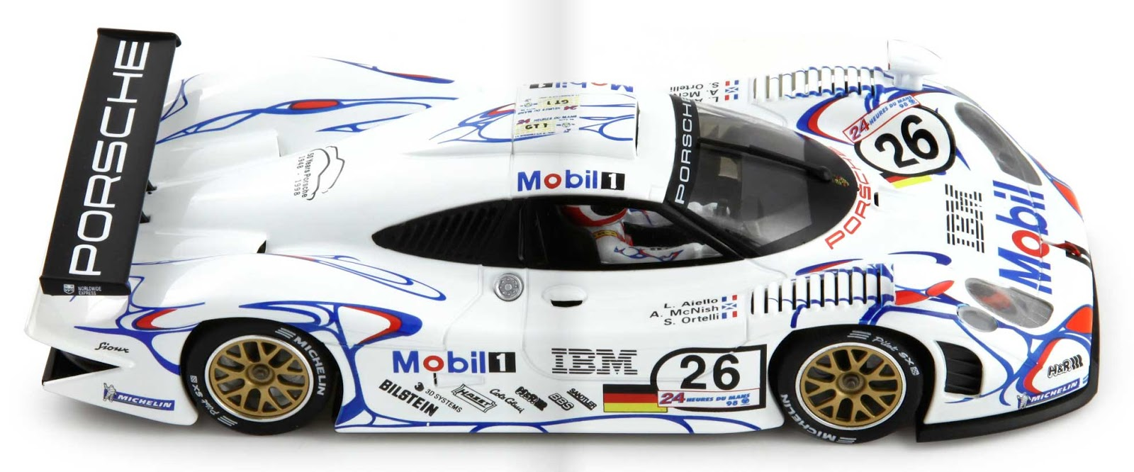 manicslots 39 slot cars and scenery news porsche 911 gt1 le mans. Black Bedroom Furniture Sets. Home Design Ideas