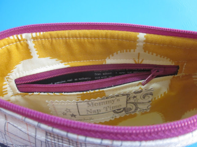 pocket in pouch lining