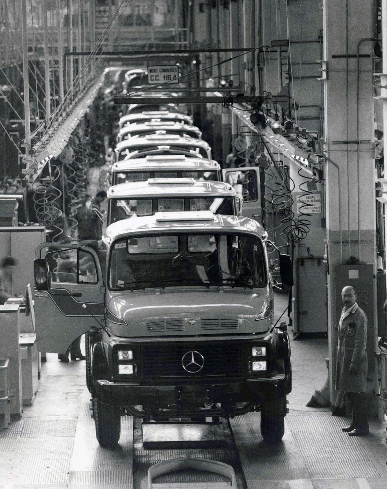 Automotivz f bricas mercedes benz caminh es s rie l for Mercedes benz 80s