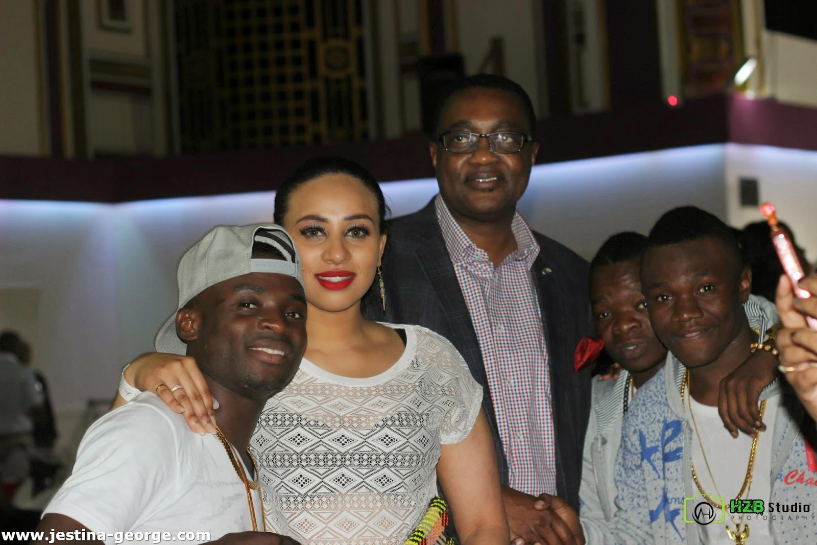 Picha 54 za Show Nzima ya Yamoto Band Ndani ya Royal Regency UK London