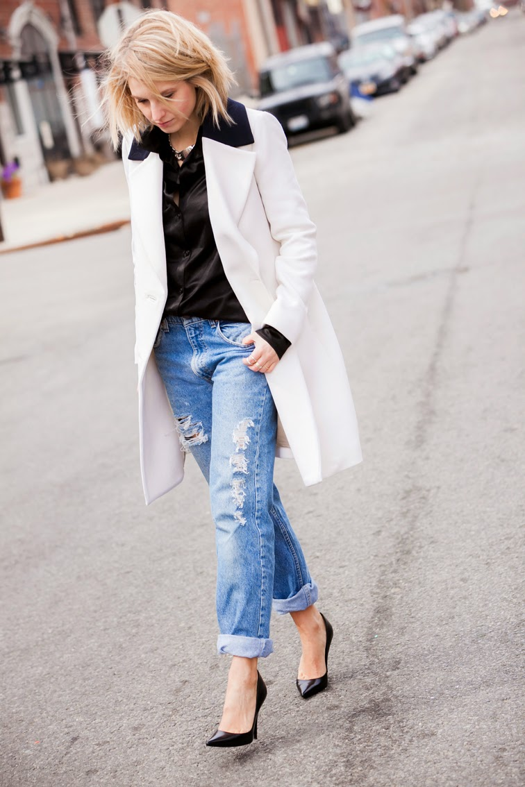 Street Style, the perfect distressed boyfriend jeans by Refind Denim, long coat, Rings & Tings chain ID necklace