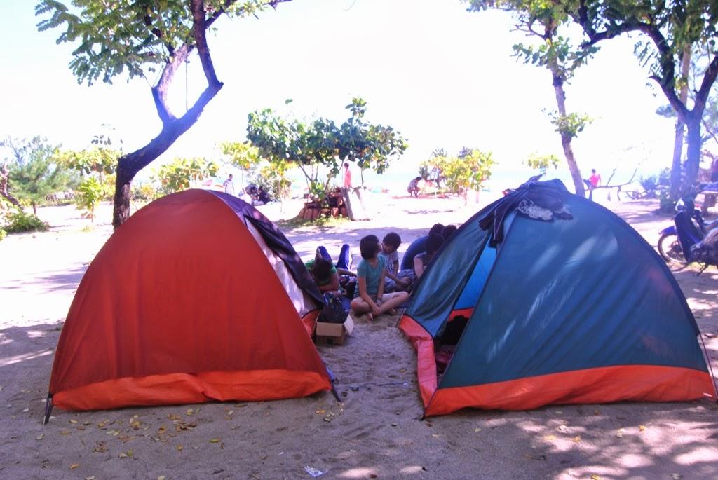 Ngecamp di Pantai Sundak