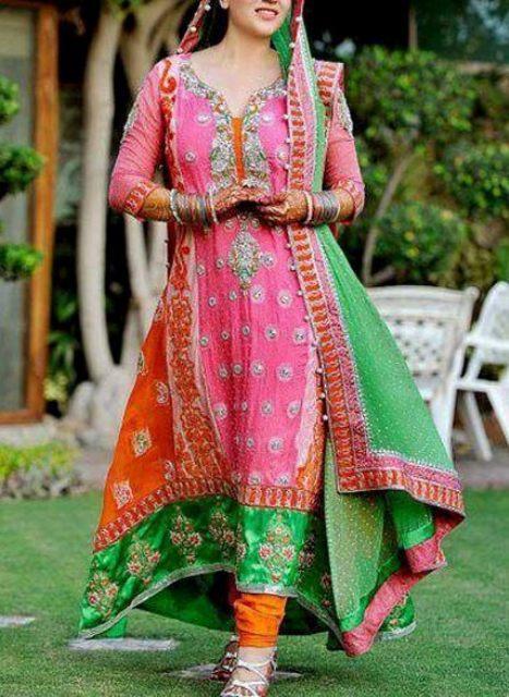Long frocks pakistani dresses mehndi designs for Pakistani wedding mehndi dresses