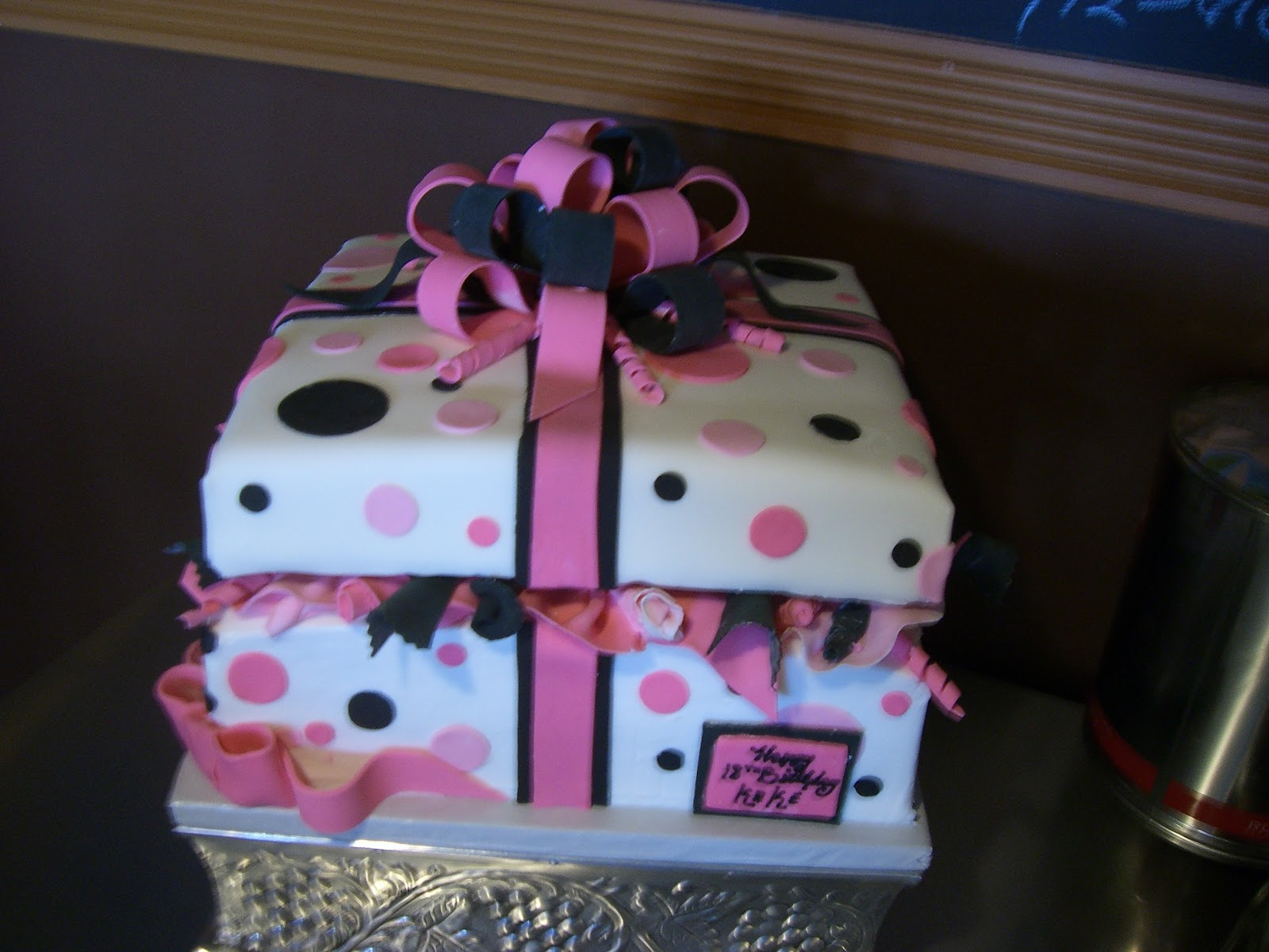 Cake Art Lawrenceville Hwy : CAFE AROMAS: Sweet 16 Present Cake