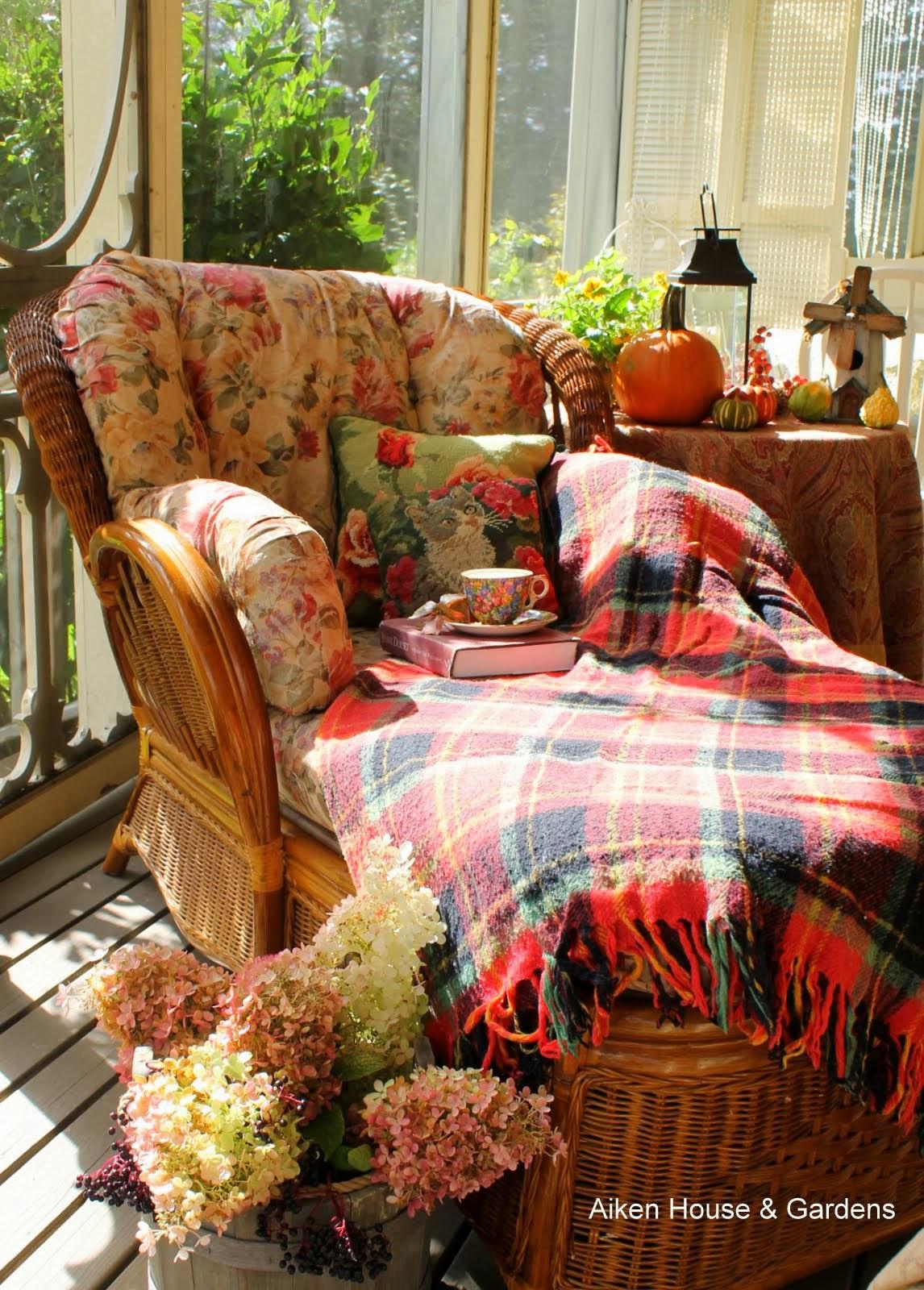 Aiken house gardens a cosy autumn tea for Aiken house