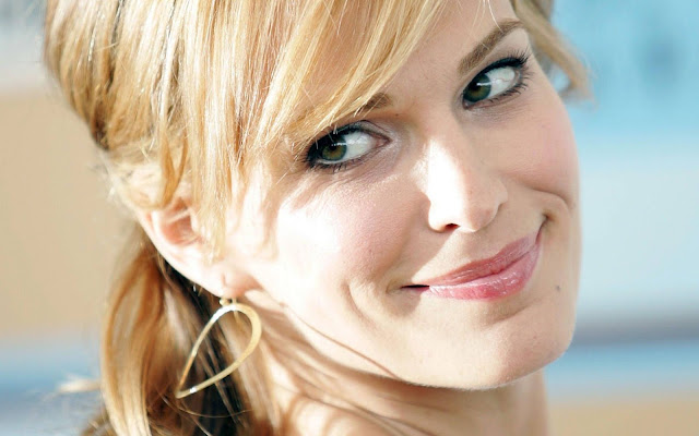 Molly Sims Biography and Photos