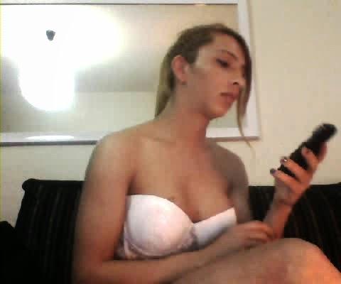 yengesini banyoda iki dakkada sikiveriyor  Porno