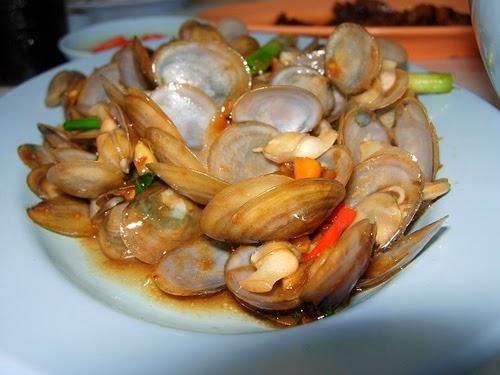 Stir-fried Hard Clams Home-cooked Style (Nghêu Xào Tại Nhà)