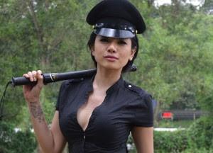 Nikita mirzani buka bukaan Nikita Mirzani Siap Tampil Buka Bukaan, Jika Dibayar Mahal
