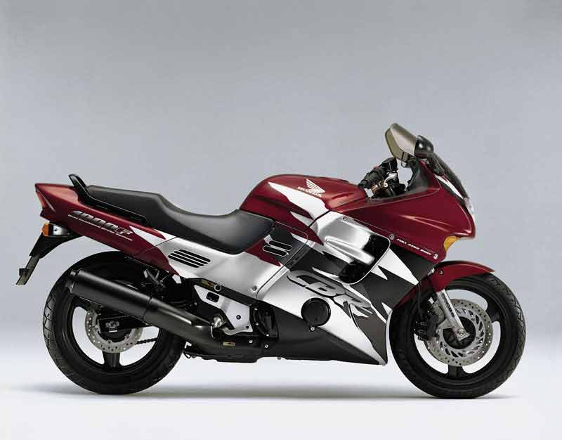 suzuki gsr 600 motorbikes motorcycles upcoming bikes in the world know more about top bikes in. Black Bedroom Furniture Sets. Home Design Ideas