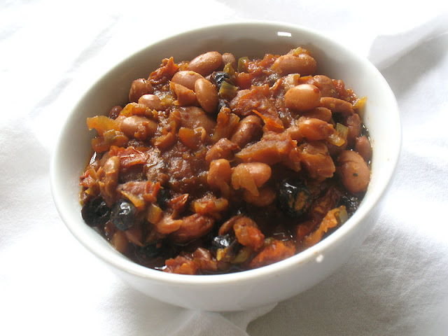 Stove-Top Baked Beans with Apple and Sun-Dried Tomatoes | Lisa's ...