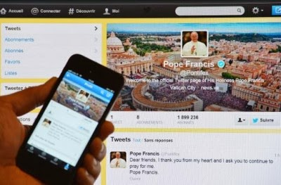 """El Papa Francisco ha conseguido superar al presidente de EE.UU., Barack Obama, en impacto de sus mensajes en Twitter, donde es retuiteado cuatro veces más que el presidente estadounidense, y ha conseguido convertirse en líder mundial en las redes sociales, según concluye un estudio presentado este martes en el Mobile World Congress de Barcelona. """"El Papa ha de servir a todos, especialmente, a los más pobres, los más débiles, los más pequeños"""" es el tweet emitido por el pontífice argentino que ha supuesto más retweets en la red con 30.608, sin tener en cuenta su mensaje inicial en enero de"""