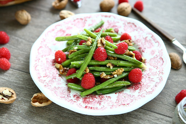 Green Bean Raspberry Salad with Walnuts and Herbs de Provence