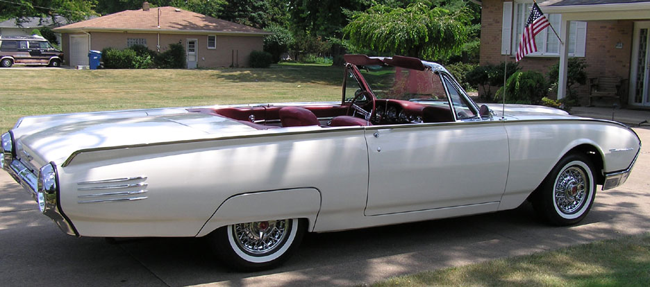 1961 - Ford Thunderbird