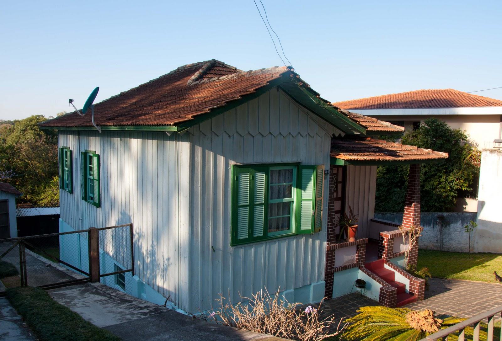 #2D6D9E Casas de Madeira de Curitiba 42 584 Janelas Em Madeira Em Curitiba