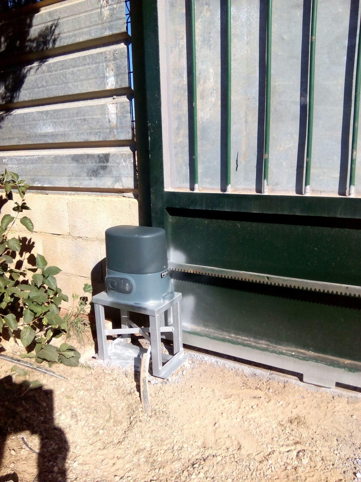 Automatismos prb pesa instalaci n motor puerta corredera modelo nice 500 kg en la zona la - Instalacion puerta corredera ...
