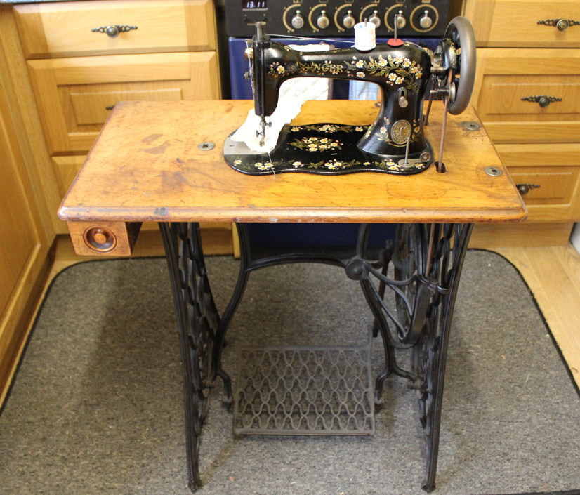 The Balancing Kiwi My Vintage Singer Sewing Machine Collection Interesting 1902 Singer Treadle Sewing Machine