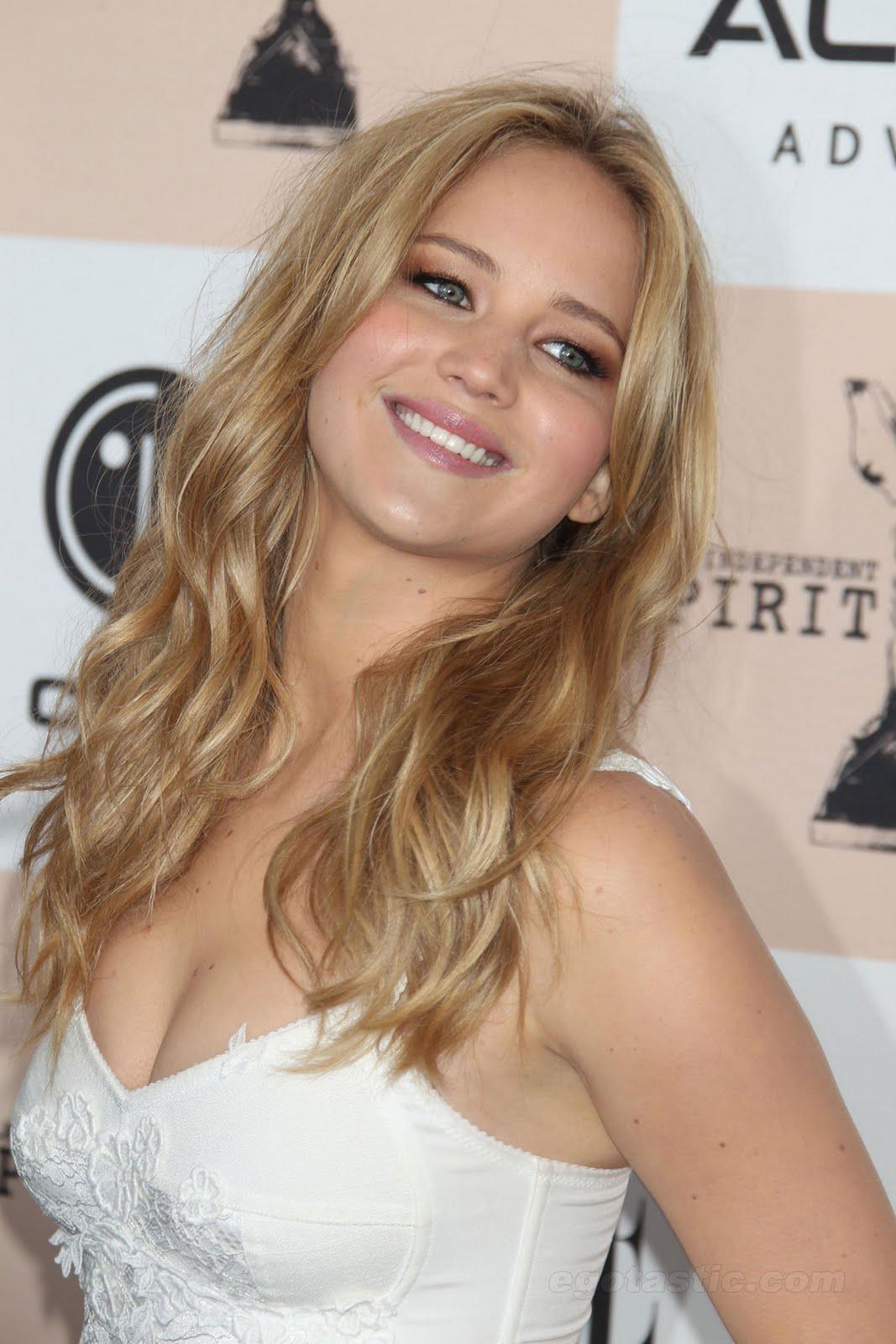 http://1.bp.blogspot.com/-KOLJsEil8_4/TW2ChhljY4I/AAAAAAAAAZc/8YJBDGoh09A/s1600/jennifer_lawrence_actu_sexy_01.jpg