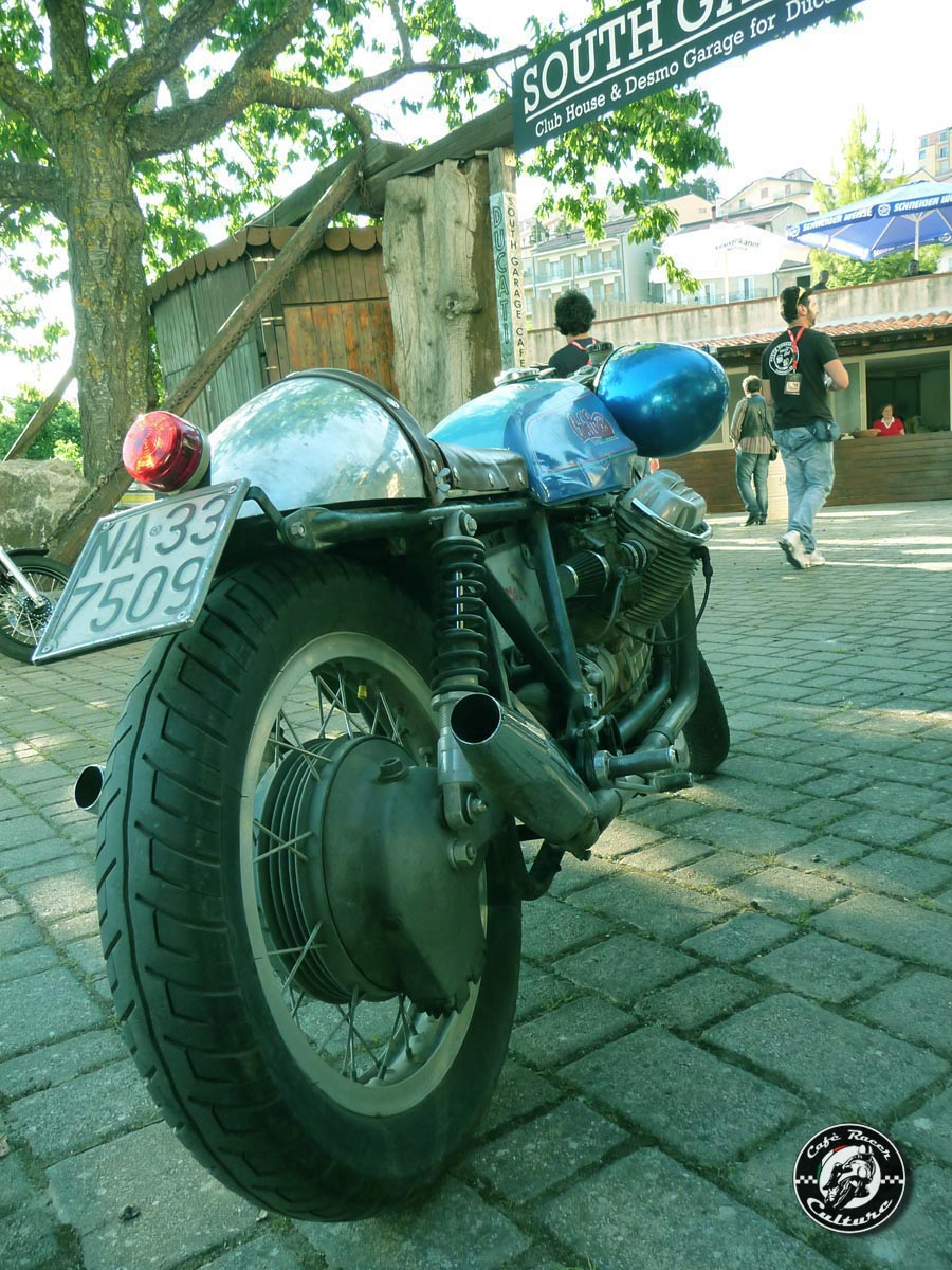 Guzzi... juste l'essentiel des Café Racer - Page 39 South+reunion+2011+%2528207%2529+copia