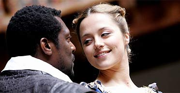 desdemona personals Desdemona, daughter of a venetian aristocrat, elopes with moorish military hero othello, to the great resentment of othello's envious underling iago alas, iago knows othello's weakness, and with chilling malice.