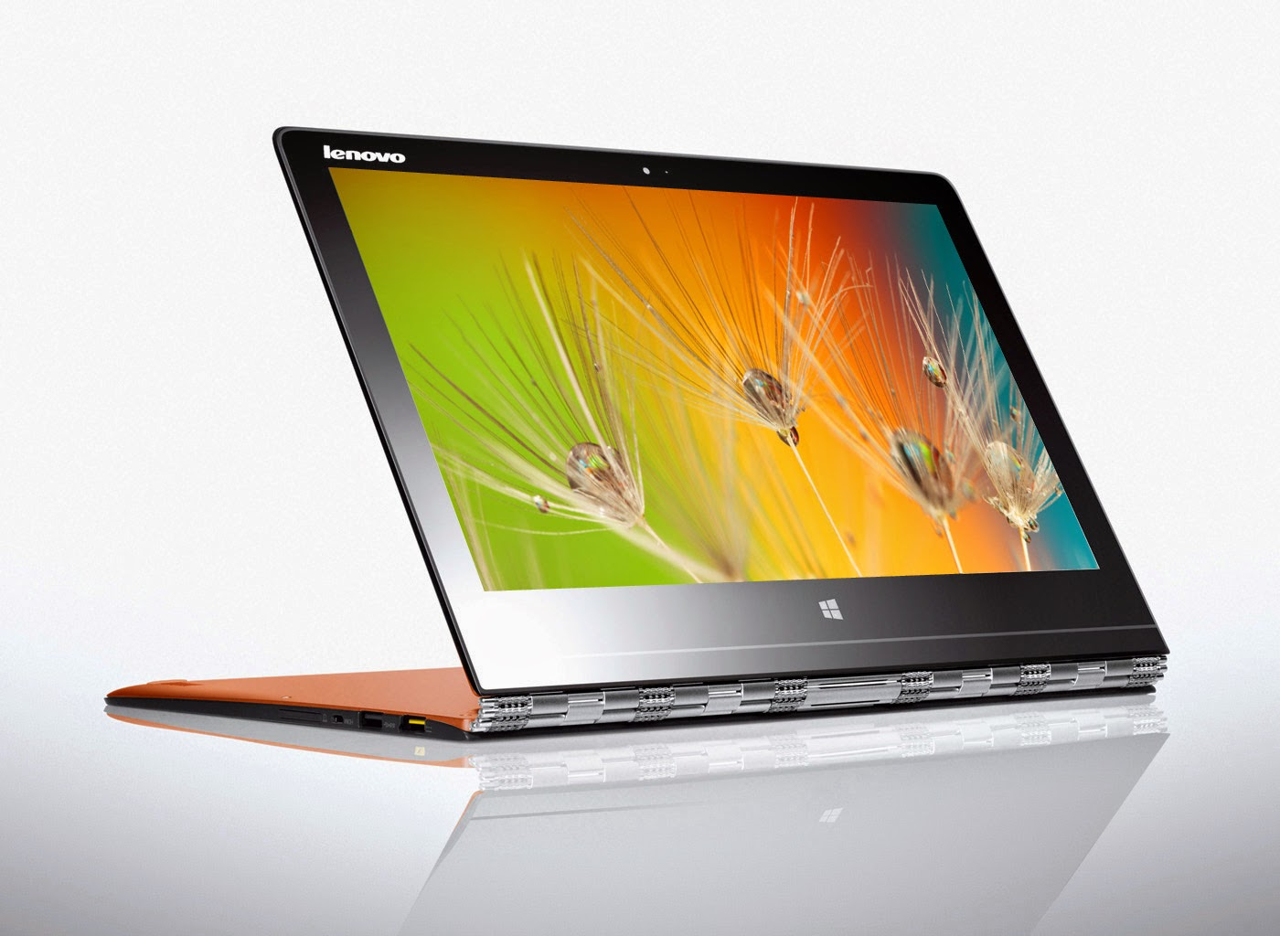 "The display of YOGA 3 Pro is a stunning 13.3"" QHD+ (3200x1800) wide-view display with touchscreen"