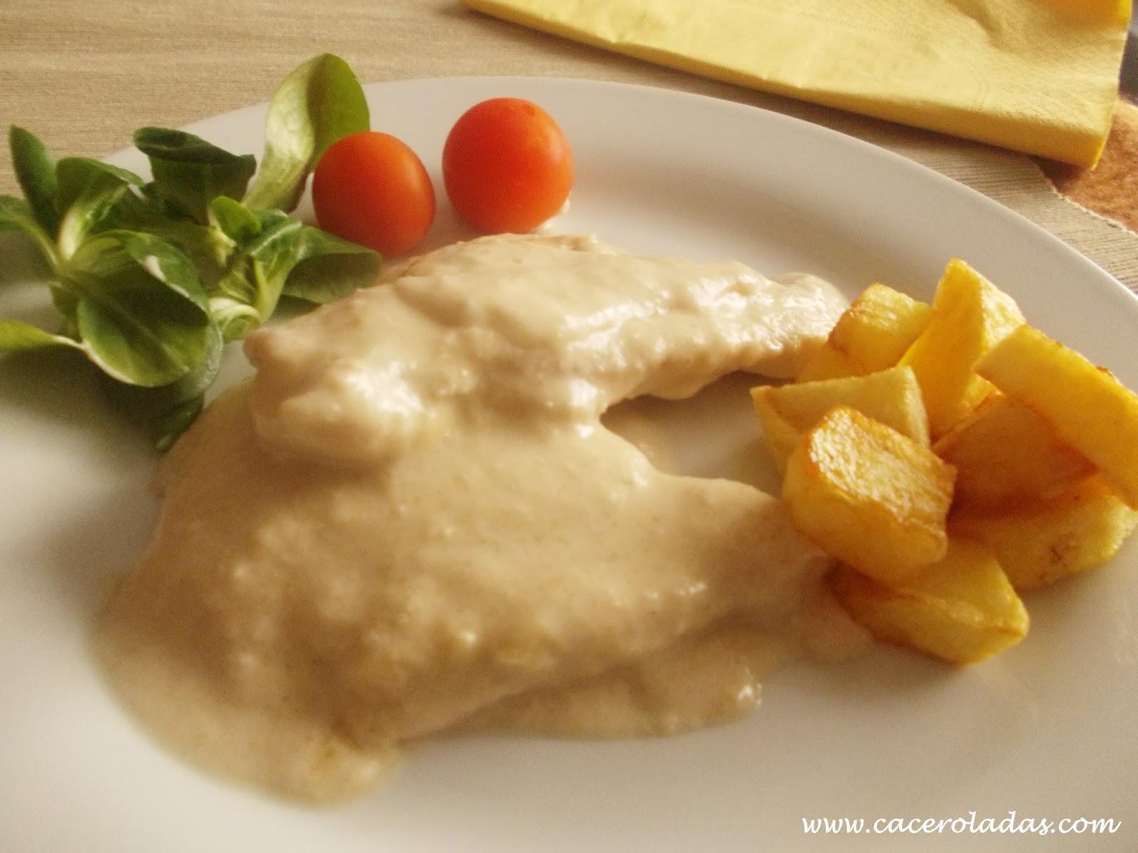 Filetes de pollo en salsa de almendras caceroladas - Filetes de carne en salsa ...