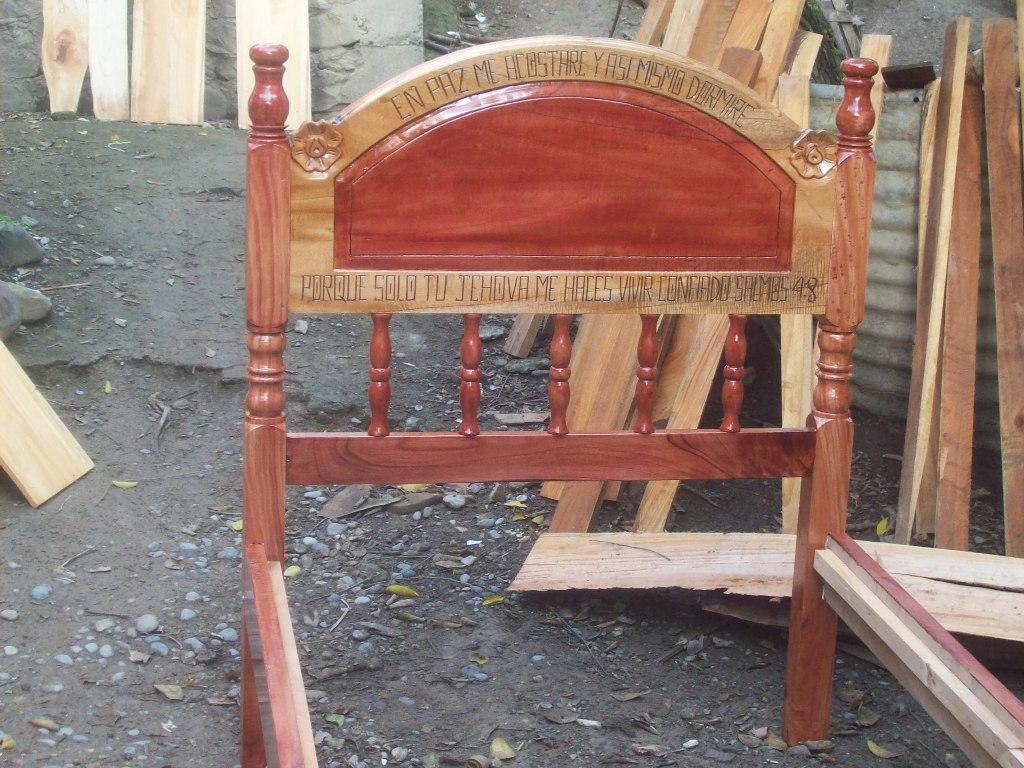 Muebles de cedro rojo - Veracruz: Camas de madera de cedro rojo