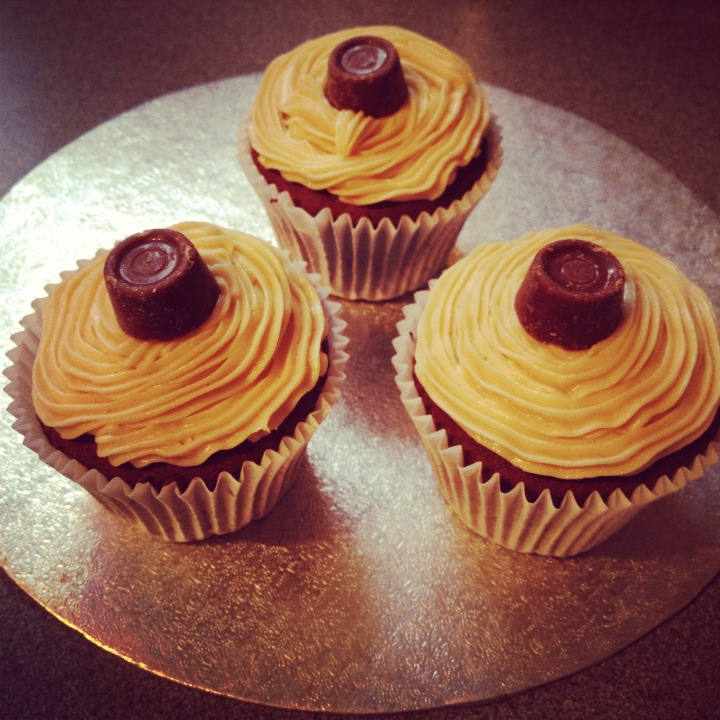 Rolo Cupcakes Recipe — Dishmaps