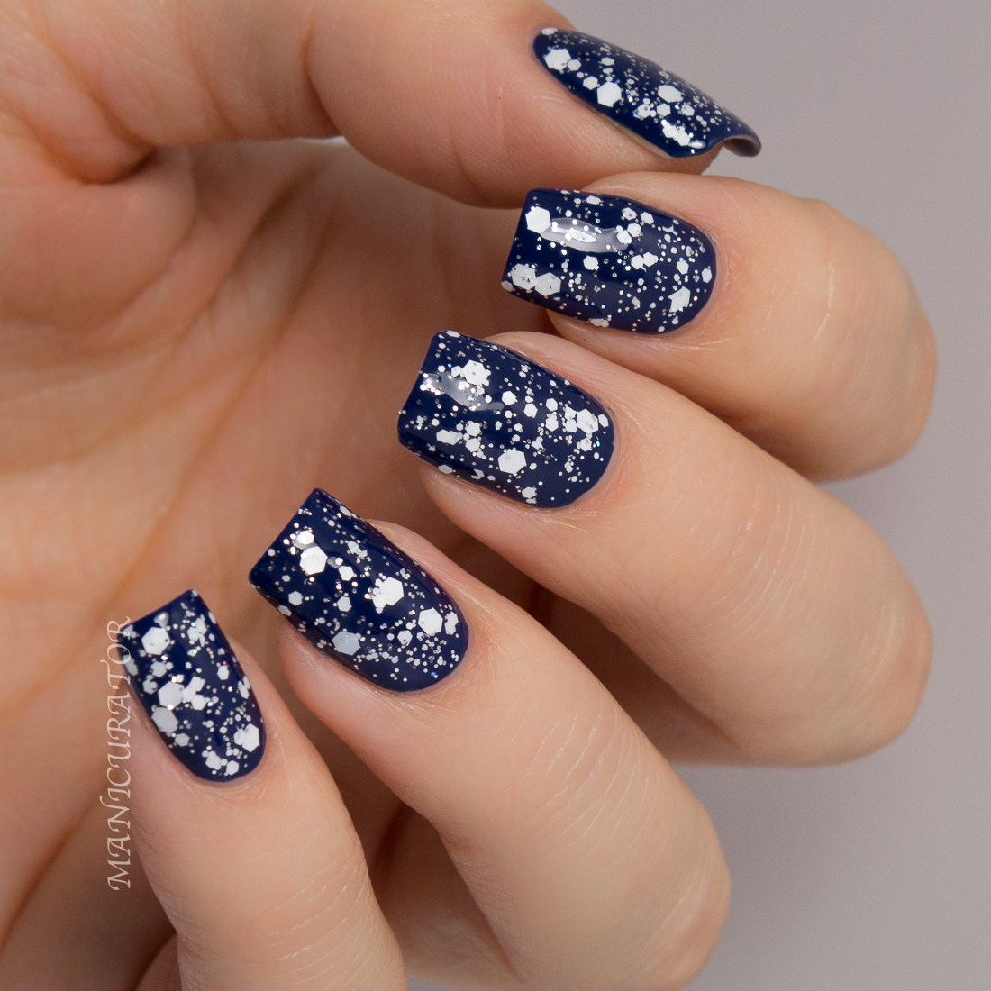 Salon-Perfect-Nail-It-Snowed-In-Varsity-Blue